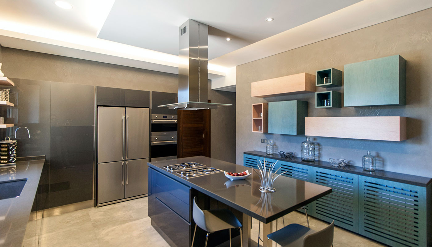 Private Villa - Modern Dyed Veneer Kitchen - Maisons et Parquets ...